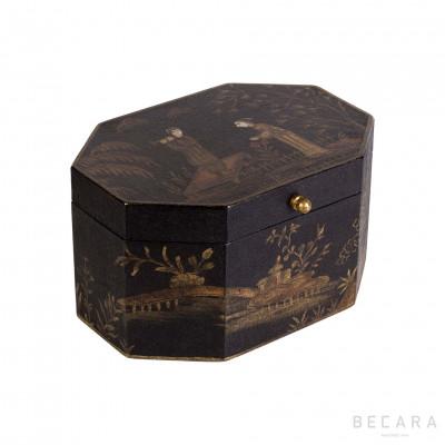 Pagoda octogonal box