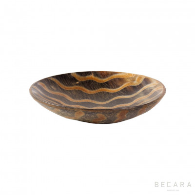 Medium zig-zag horn decorative plate